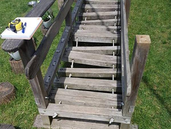 Vzdrževalna dela: plezalne stopnice pred obnovo in popravilom